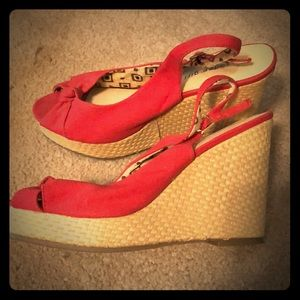 Red wedges with print inside